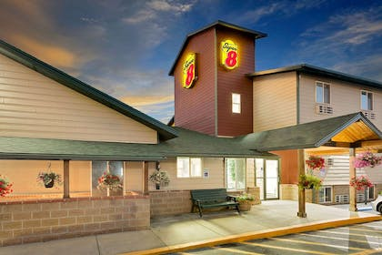 Exterior | Super 8 by Wyndham Belgrade/Bozeman Airport