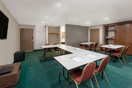 Meeting Room | Super 8 by Wyndham Ionia MI