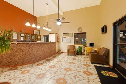 Lobby   Super 8 by Wyndham Las Cruces/White Sands Area