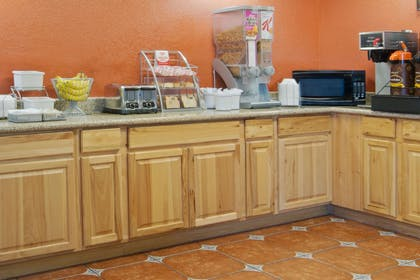 Breakfast Area   Super 8 by Wyndham Las Cruces/White Sands Area