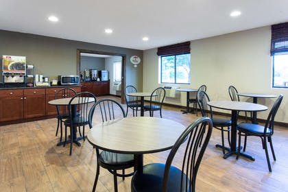 Property amenity   Super 8 by Wyndham Cromwell/Middletown
