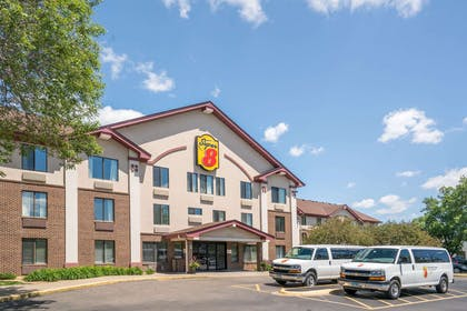 Exterior   Super 8 by Wyndham Bloomington/Airport