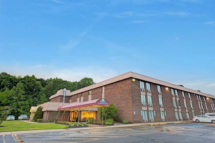Exterior | Days Inn by Wyndham East Windsor/Hightstown