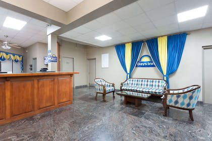 Lobby | Days Inn by Wyndham Orangeburg