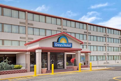 Welcome to the Days Hotel East Brunswick | Days Hotel by Wyndham East Brunswick Conference Center