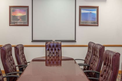 Meeting Room | Days Hotel by Wyndham East Brunswick Conference Center