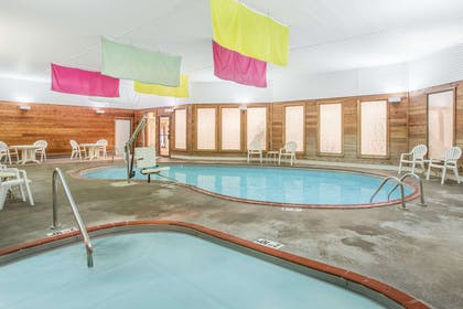 Pool | Days Inn by Wyndham Marquette