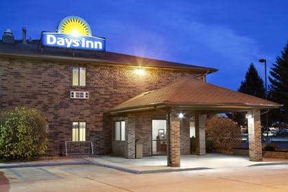 Welcome to the Days Inn Columbia Mall | Days Inn by Wyndham Grand Forks Columbia Mall