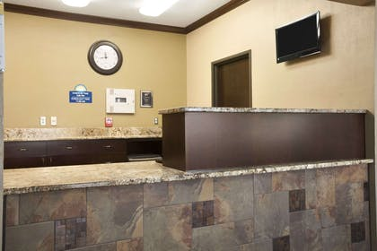 Lobby | Days Inn by Wyndham Grand Forks Columbia Mall