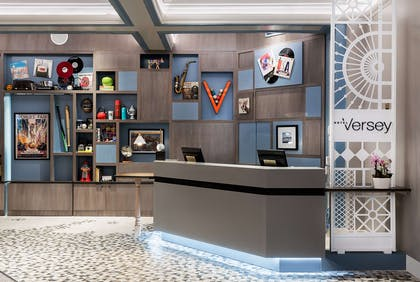 Lobby | Hotel Versey Days Inn by Wyndham Chicago