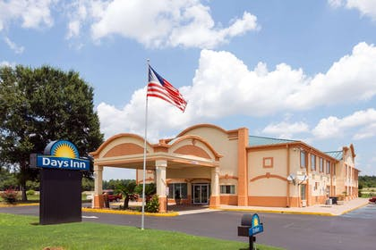 Welcome to the Days Inn Montgomery | Days Inn by Wyndham Coliseum Montgomery AL