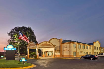 Days Inn Coliseum Montgomery AL | Days Inn by Wyndham Coliseum Montgomery AL