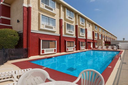 Pool | Ramada by Wyndham Oklahoma City Airport North