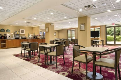 Breakfast Area | Wingate by Wyndham Chattanooga