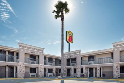 Exterior | Super 8 by Wyndham McAllen/Downtown/La Plaza Mall