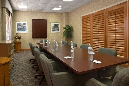 Boardroom | Wingate by Wyndham Oklahoma City Airport