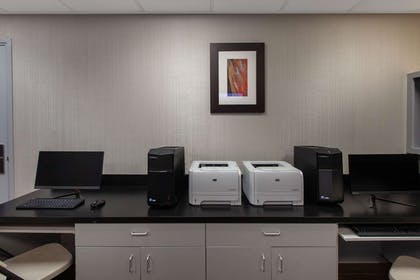 Business Center | Wingate by Wyndham Oklahoma City Airport