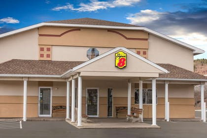 Exterior   Super 8 by Wyndham Clearfield