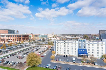 Welcome to the Days Hotel University Ave SE   Days Hotel by Wyndham University Ave SE