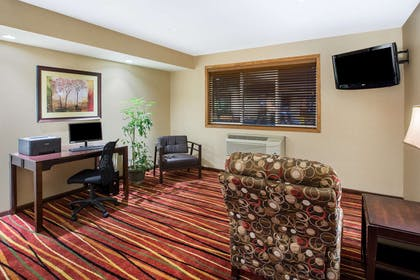 Business Center | Super 8 by Wyndham Brookings
