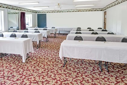 Meeting Room | Super 8 by Wyndham Chicago O'Hare Airport