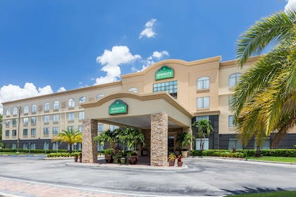 Exterior | Wingate by Wyndham Convention Ctr Closest Universal Orlando