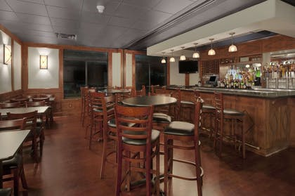 Bar | Wingate by Wyndham Round Rock Hotel & Conference Center