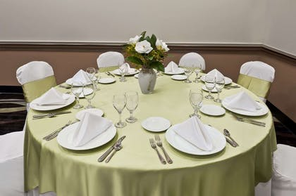 Wedding Table | Wingate by Wyndham Round Rock Hotel & Conference Center