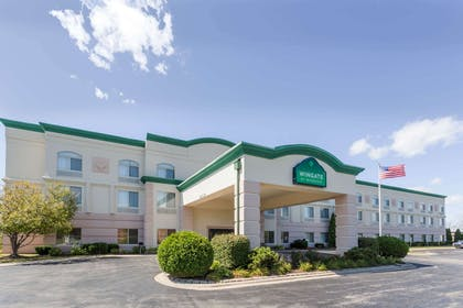 Welcome to the Wingate by Wyndham Joliet | Wingate by Wyndham Joliet