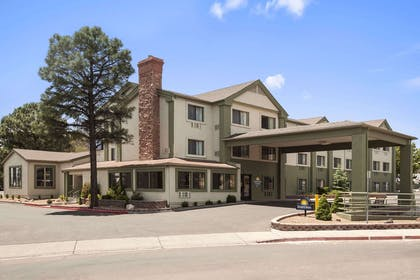 Welcome to the Days Inn And Suites Flagstaff East | Days Inn & Suites by Wyndham East Flagstaff