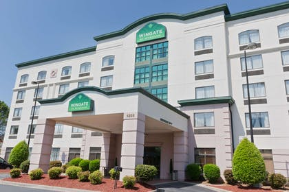 Welcome to the Wingate By Wyndham Charlotte Airport I-85I-485 | Wingate by Wyndham Charlotte Airport I-85/I-485