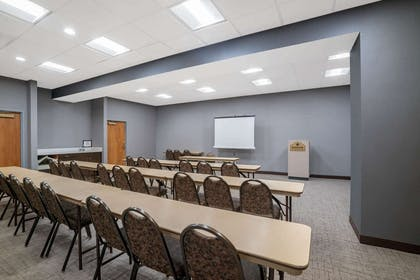 Meeting Room | Wingate by Wyndham Charlotte Airport I-85/I-485