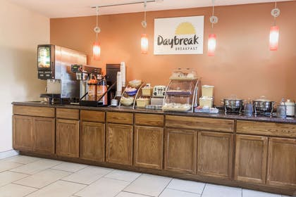 Breakfast Area | Days Inn by Wyndham Imlay City