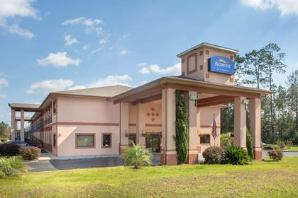 Exterior | Baymont by Wyndham Midway/Tallahassee