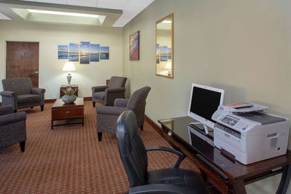 Business Center | Baymont by Wyndham Midway/Tallahassee