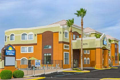 Welcome to the Days Inn & Suites Tucson Marana | Days Inn & Suites by Wyndham Tucson/Marana