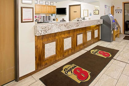 Front Desk | Super 8 by Wyndham Omaha Eppley Airport/Carter Lake