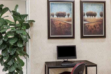 Business Center   Ramada Limited Bakersfield North