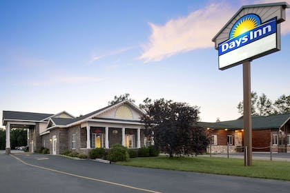 Welcome to the Days Inn Grayling | Days Inn by Wyndham Grayling