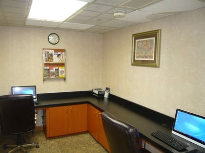 Business Center | Wingate by Wyndham Streetsboro/Cleveland Southeast