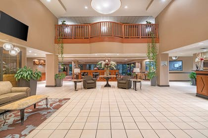 lobby view | Wingate by Wyndham Lexington