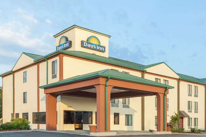 Welcome to the Days Inn LaPlace | Days Inn by Wyndham LaPlace- New Orleans