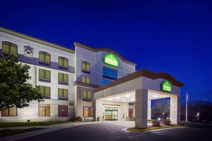 Exterior | Wingate by Wyndham Chantilly / Dulles Airport