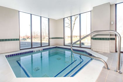 Jacuzzi | Wingate by Wyndham Chantilly / Dulles Airport