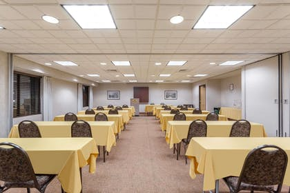 Meeting Room | Wingate by Wyndham Vineland/Millville