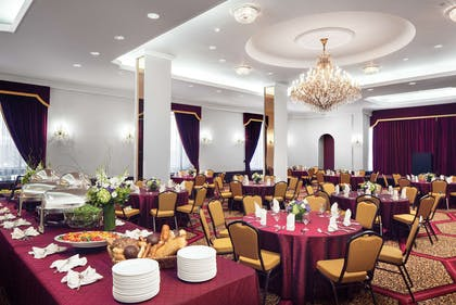 Ballroom | The New Yorker, A Wyndham Hotel