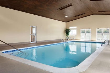 Pool | Baymont by Wyndham Elizabethtown