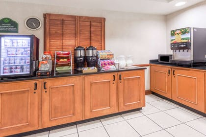 Breakfast Area | Wingate by Wyndham Indianapolis Airport-Rockville Rd.