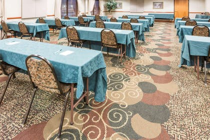 Meeting Room | Wingate by Wyndham Indianapolis Airport-Rockville Rd.