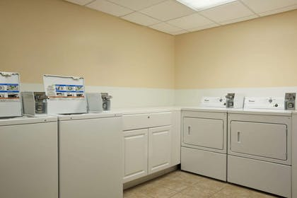 Guest Laundry | Wingate by Wyndham Schaumburg / Convention Center